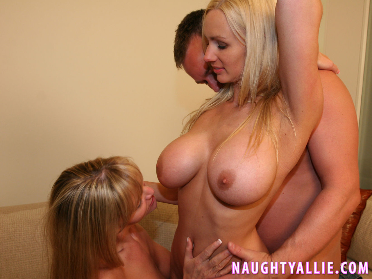 Amateur Blond Wife Threesome
