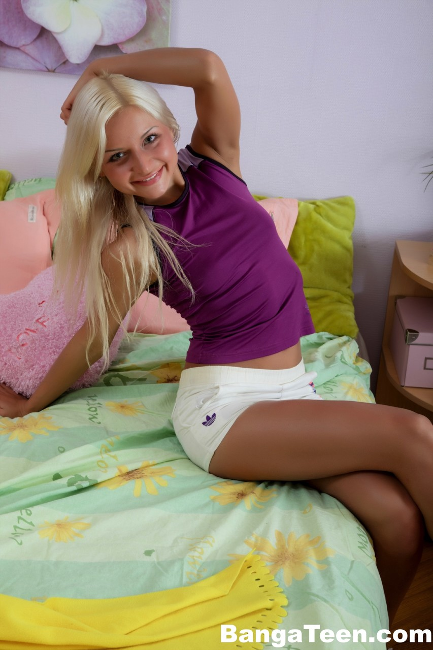 Blonde teen gets fucked hard Young Blonde Teen Gets Fucked Hard On Her Bed By Stepbrother Pornpics Com