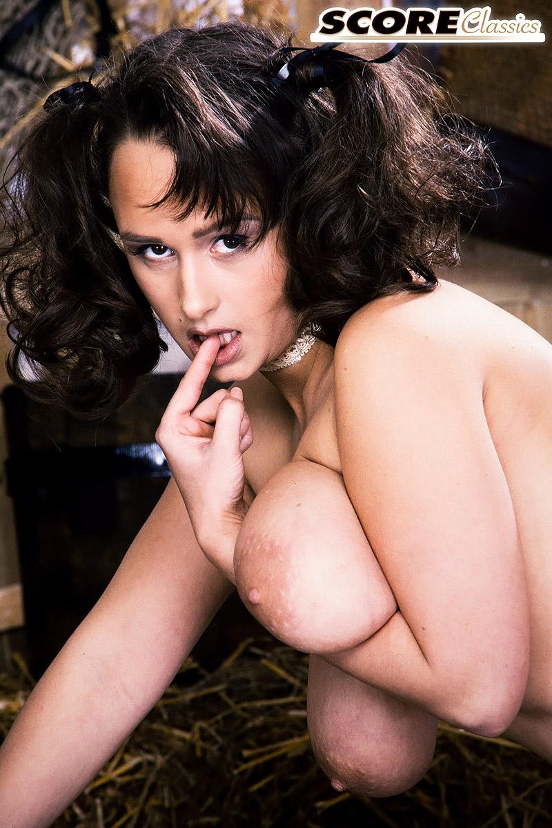 Sarah nackt Lee Jamie Lee