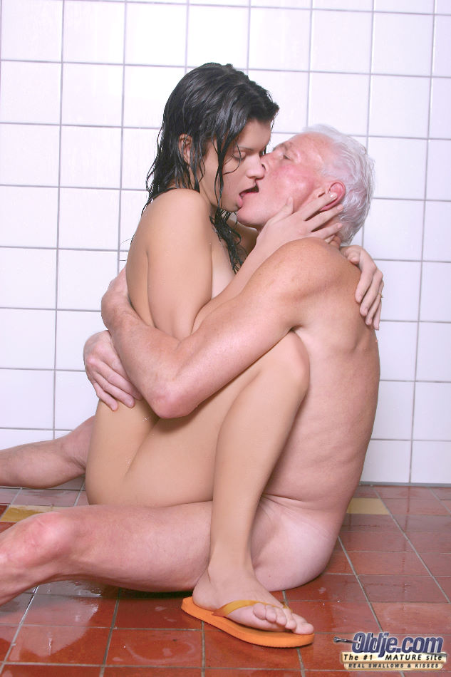 Wet Teen Girl And An Old Man Fuck Each Other On The Shower Floor Pornpics Com