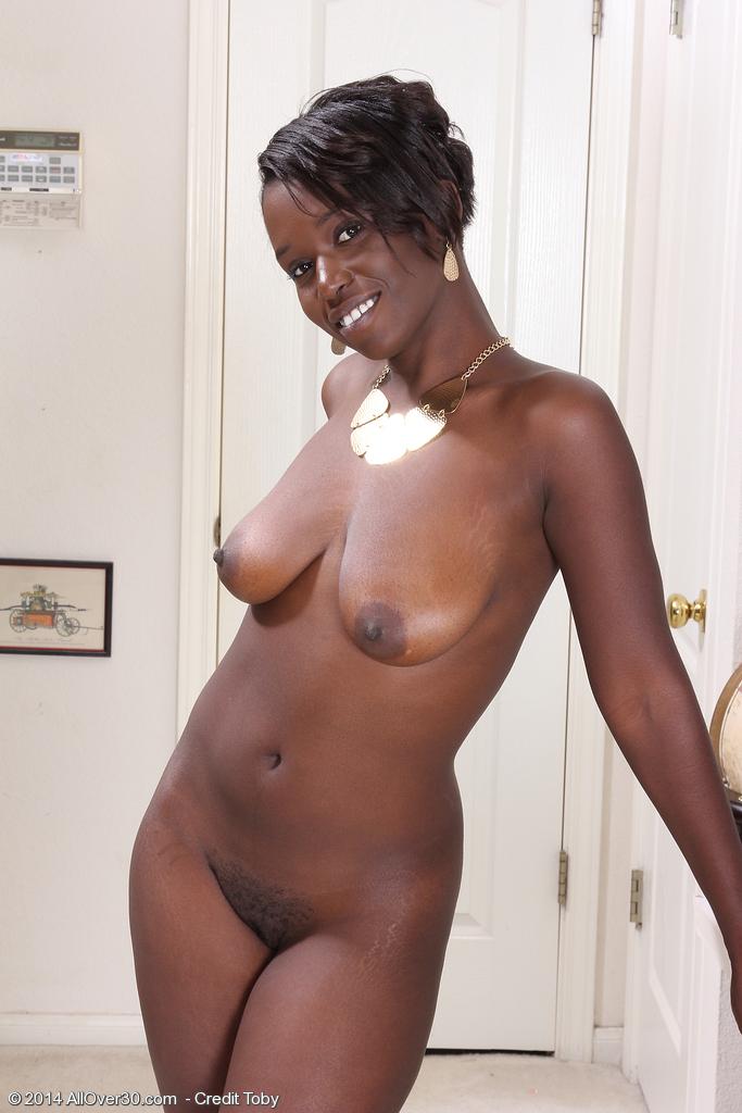 Black women nude slideshow Beautiful Black Girl Sayanna Monroe Exposes Her Saggy Boobs Squats Nude Pornpics Com