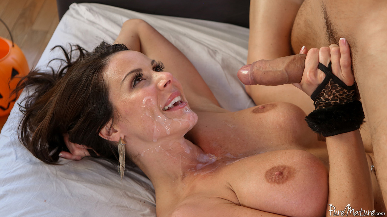 Mommy Gets Cum