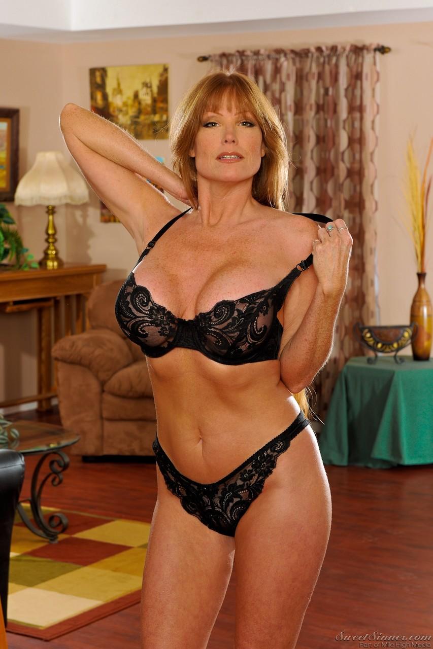 Busty milf lingerie Busty Milf Stunner Darla Crane Strips Out Of Her Black Lingerie Pornpics Com
