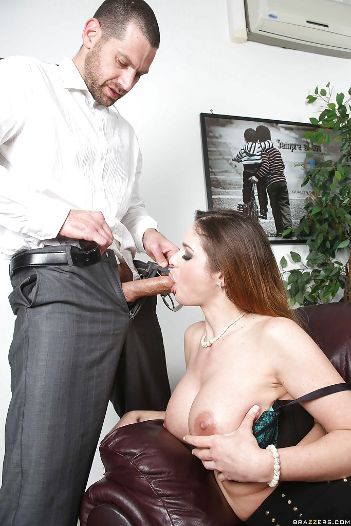 Big Tits Fucking Public