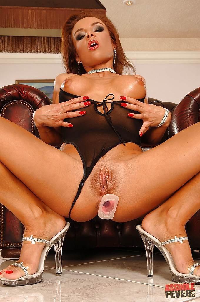See And Save As Milf Mom Red Heels And Pussy Porn Pict