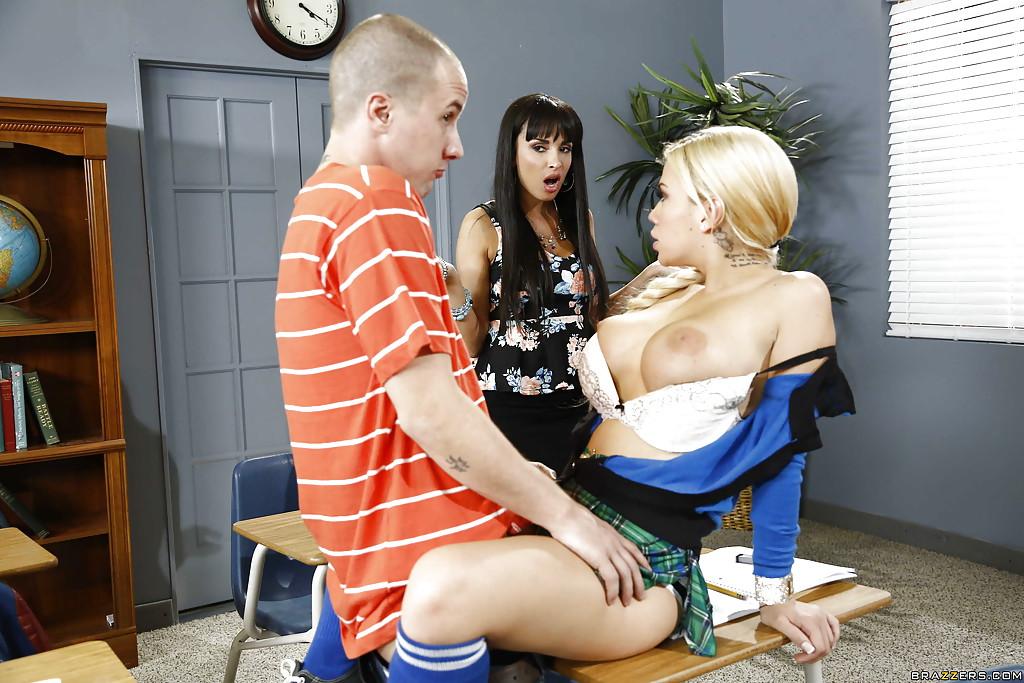 Big Tits Blondes Threesome
