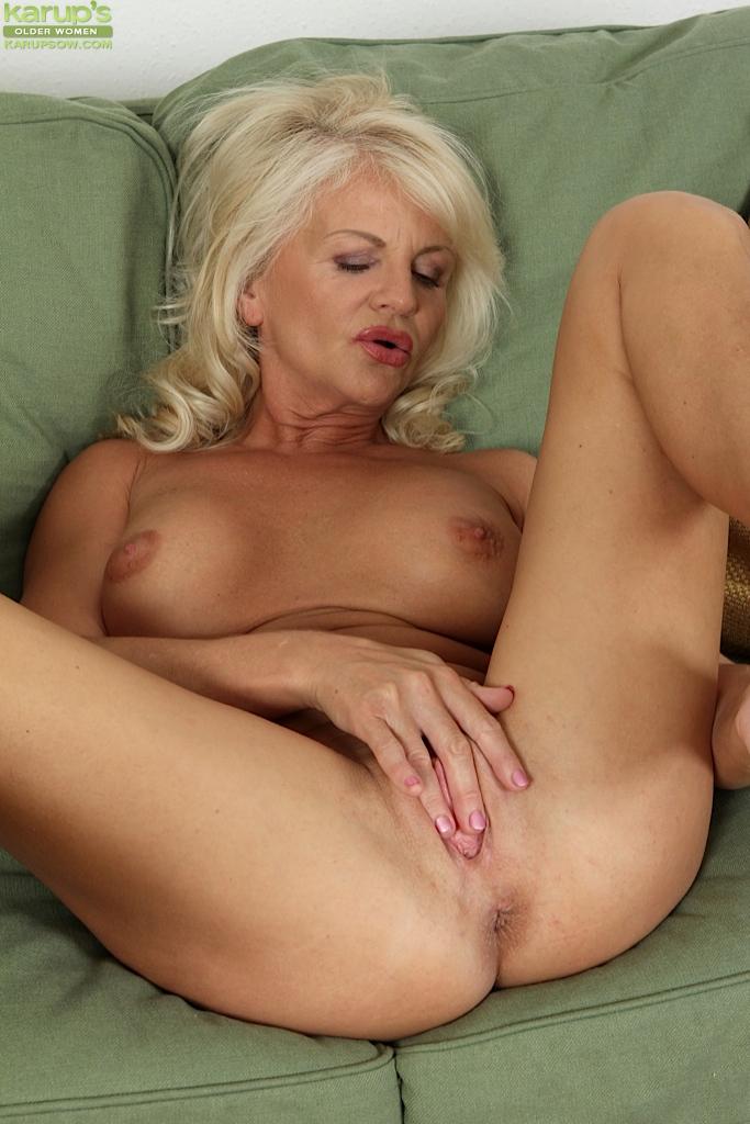 Sexy older mature women masturbating