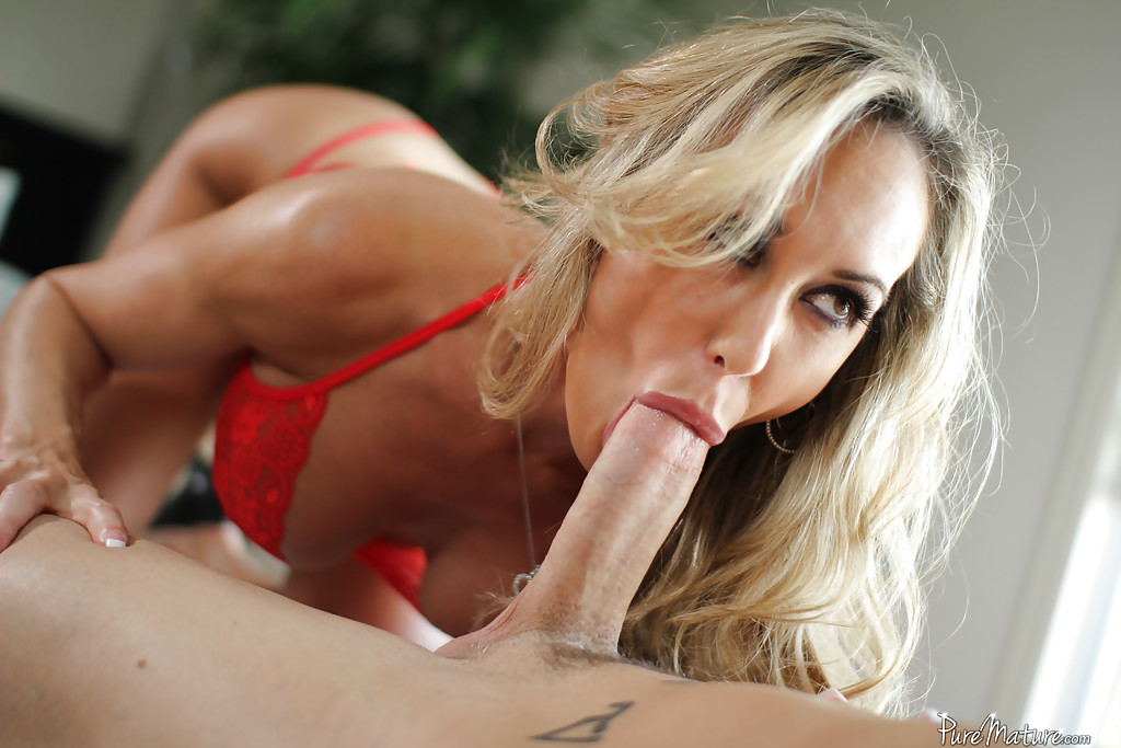 Latina Sucking Big White Dick