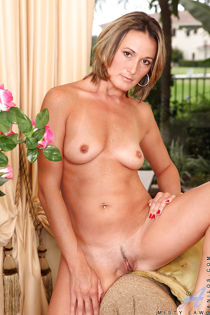Thick White Milf Squirt
