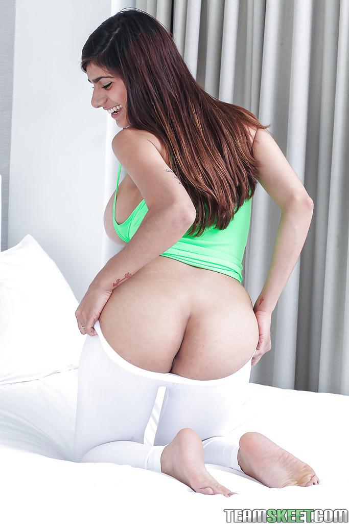 mia k nude