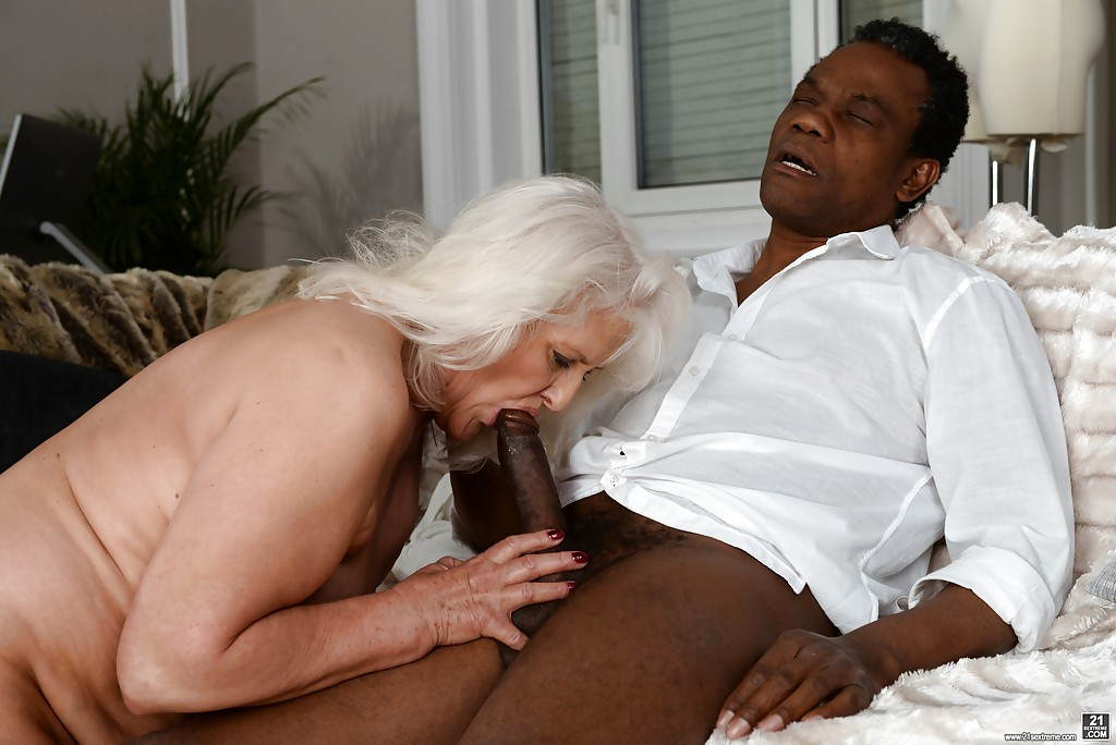 White Girl Sucking Black Cock