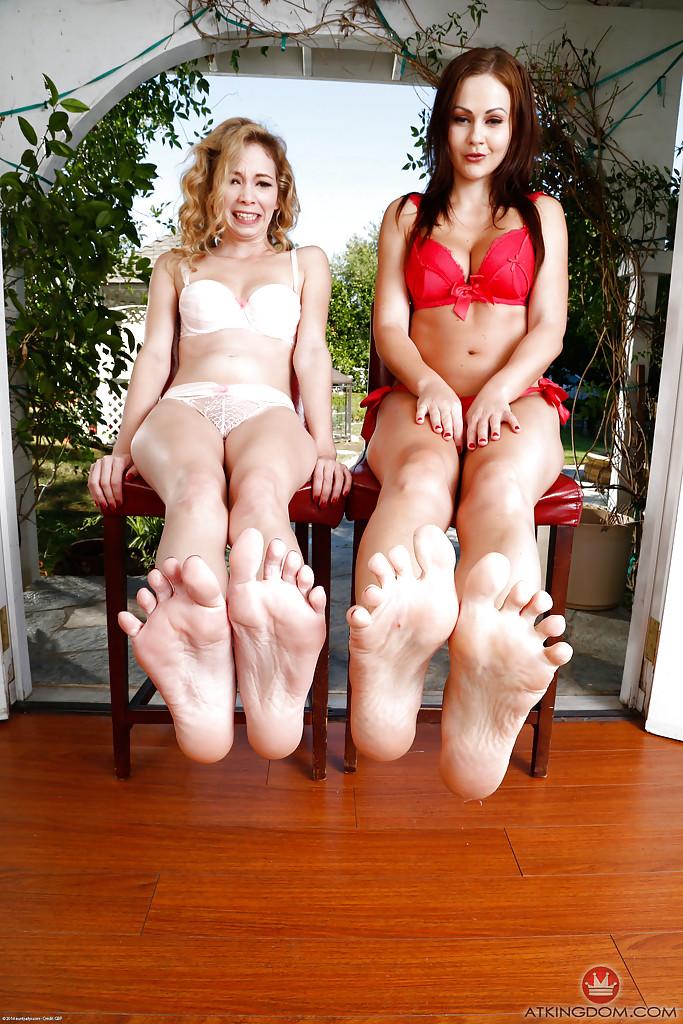 Lesbian Double Foot Worship