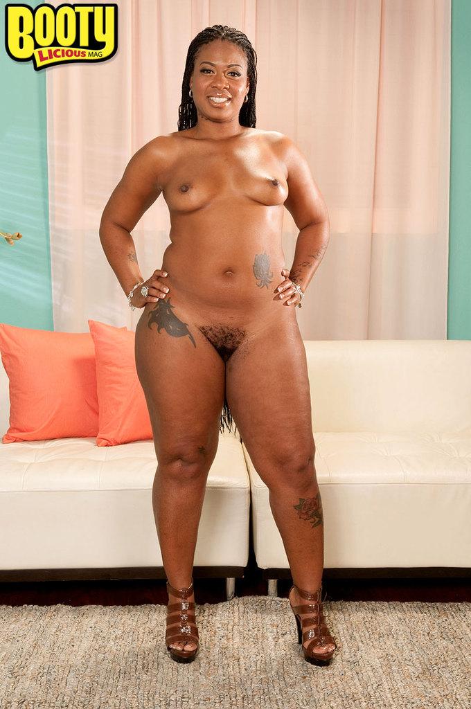 Ebony Pink Pussy Masturbation
