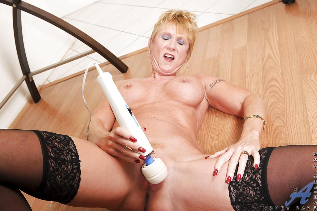 Nutte Grossmutter Sexspielzeuge Facesitting