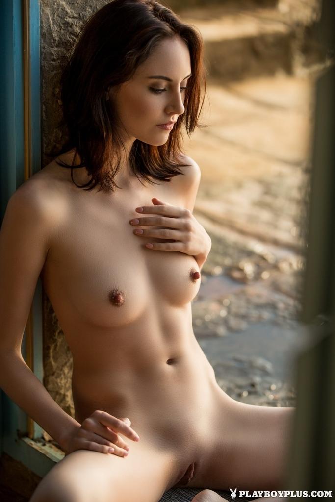 Sade  nackt