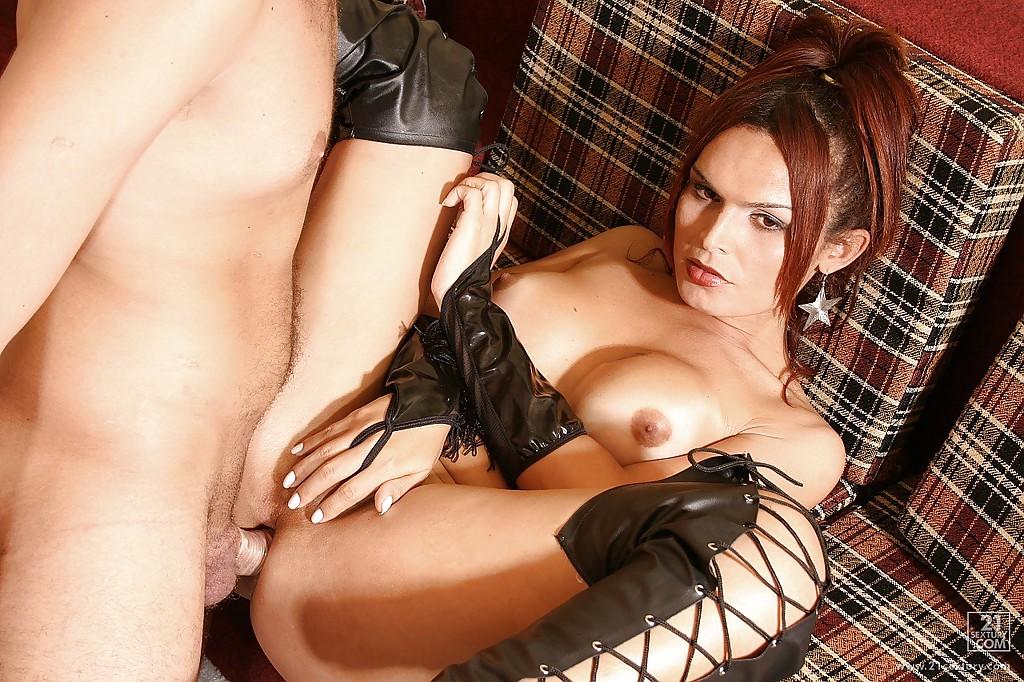Trans Jessica Lemos ganhou rola no cu - Só Travestis