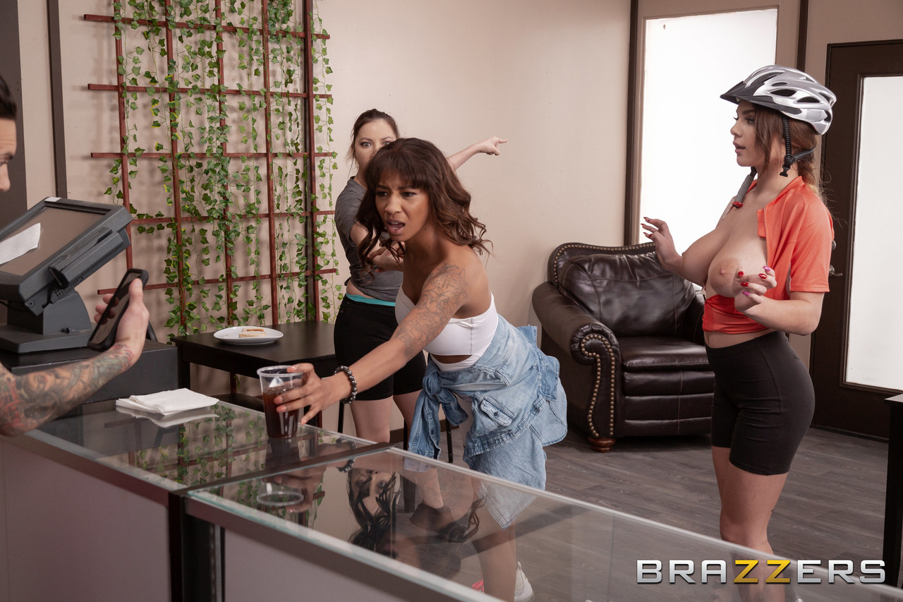 Brazzers Network Gabbie Carter Small Hands 87989570