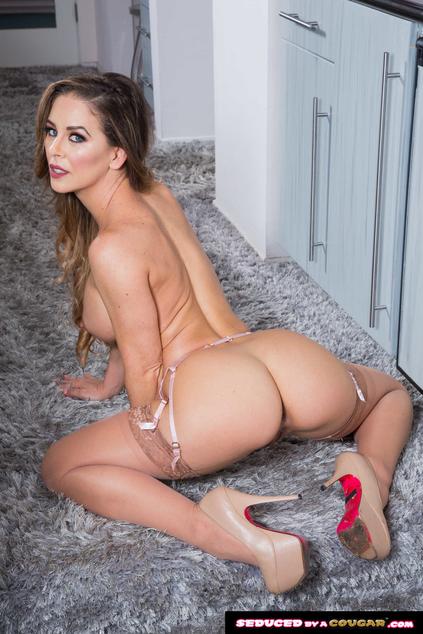 Seduced By A Cougar Cherie DeVille Ricky Spanish 83160698