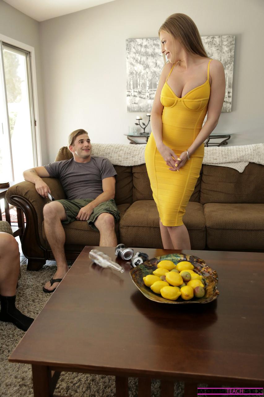 Moms Teach Sex Britney Amber 99904683