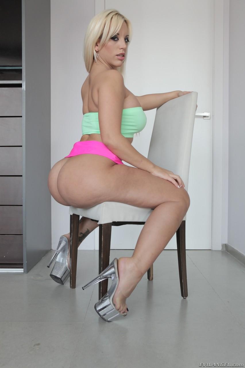 Blondie Fesser