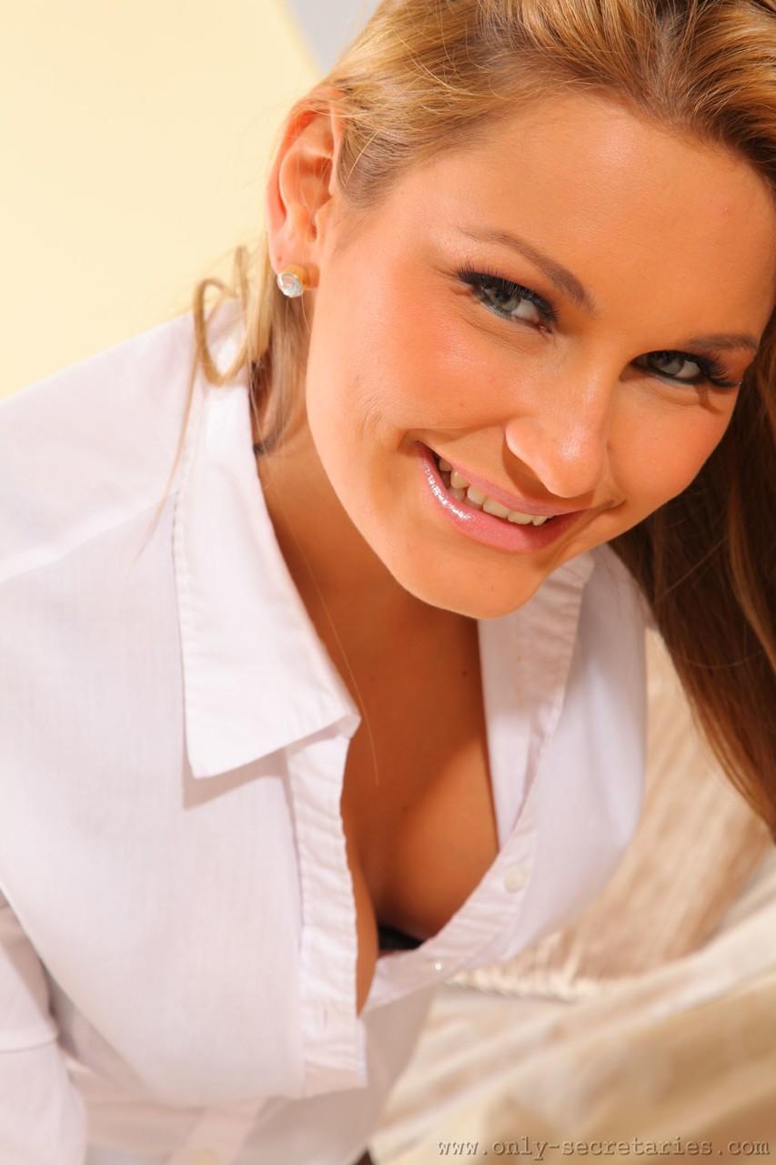 Only Secretaries Samantha F 52712577