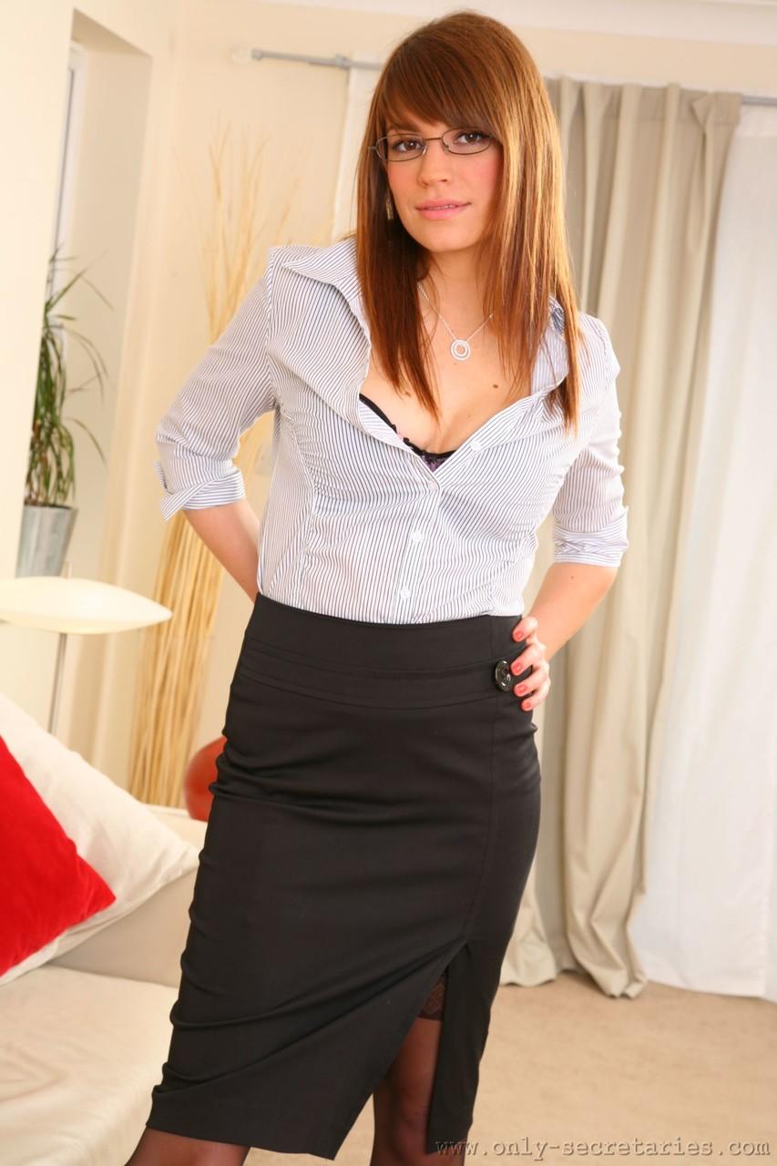 Only Secretaries Amy P 64843065