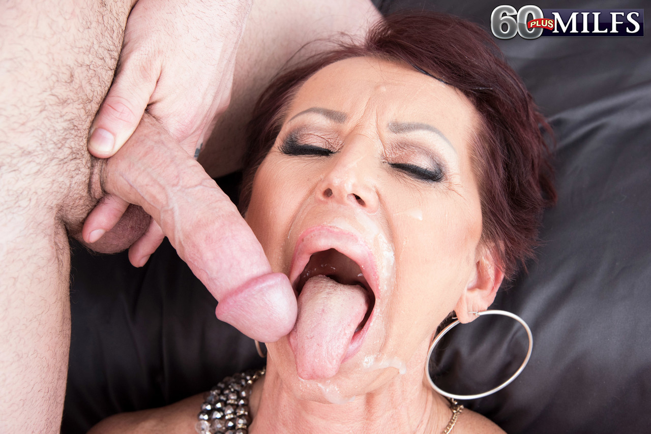 Gozando na coroa Gina Milano - Só Pornô