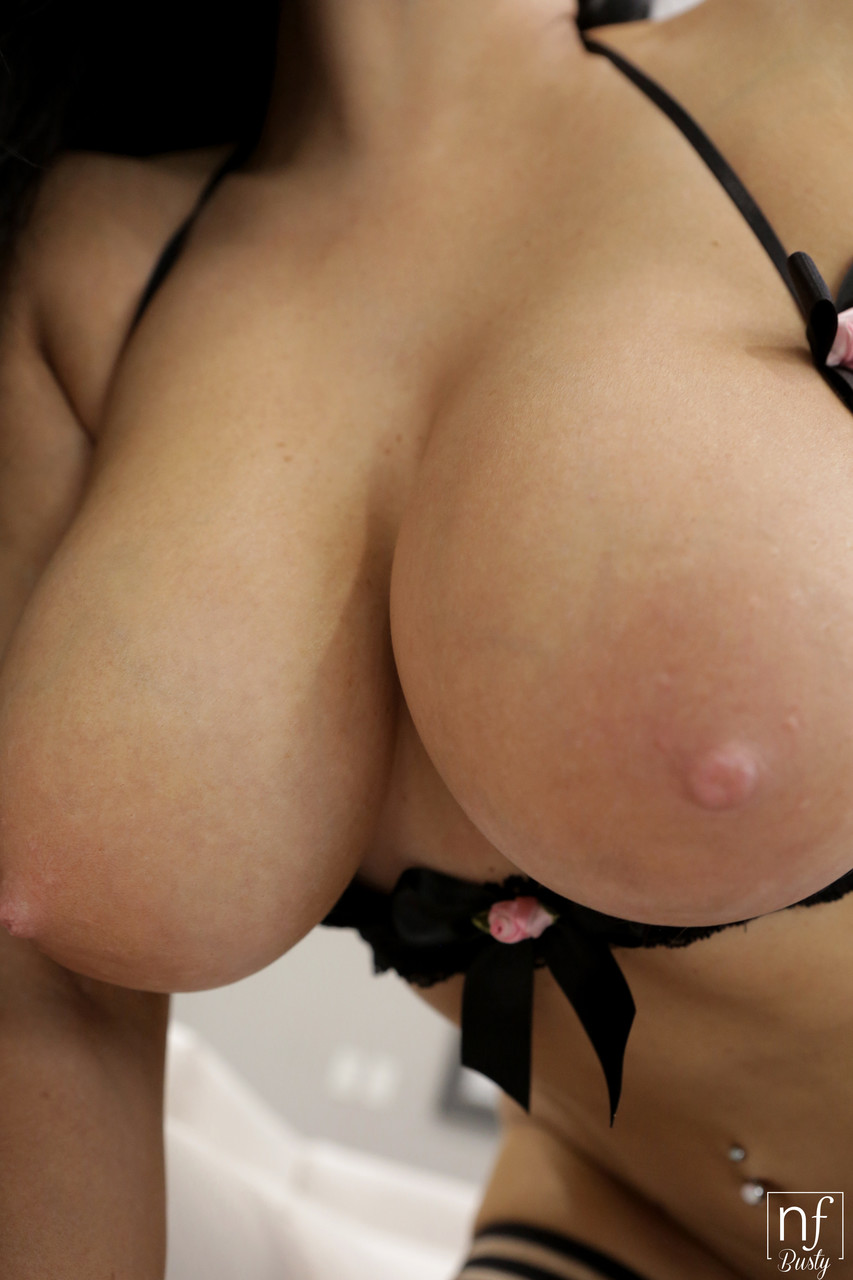 NF Busty Romi Rain Ryan Driller 65318308
