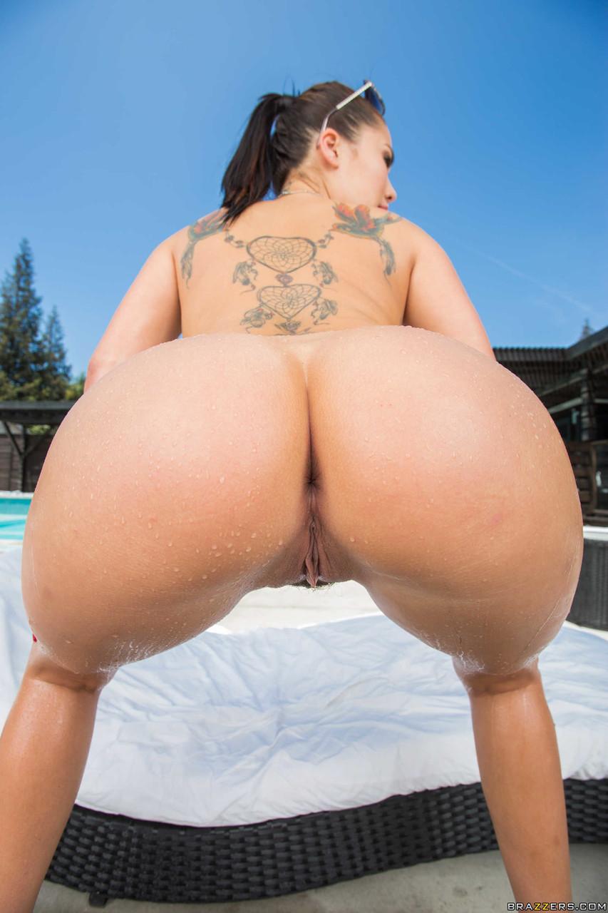 Big Wet Butts London Keyes 59323109