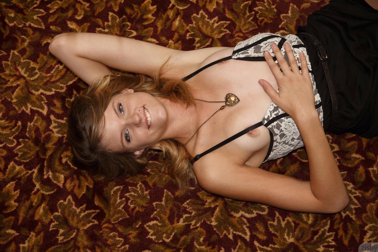 Zishy Scarlett Dunne 49095753