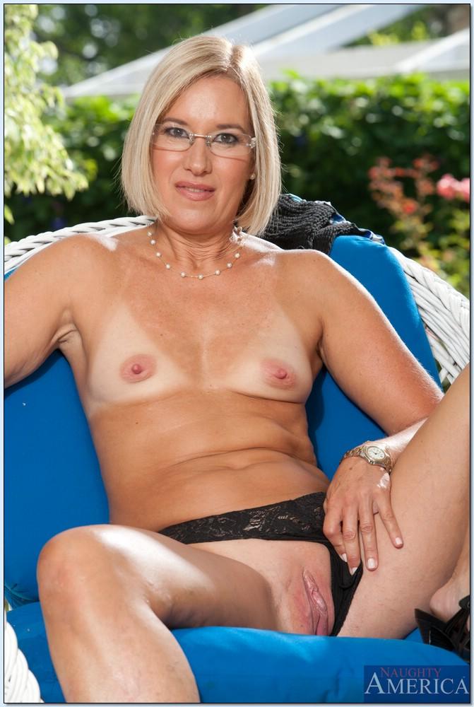 My Friends Hot Mom Farrah Tommy Pistol 75545530