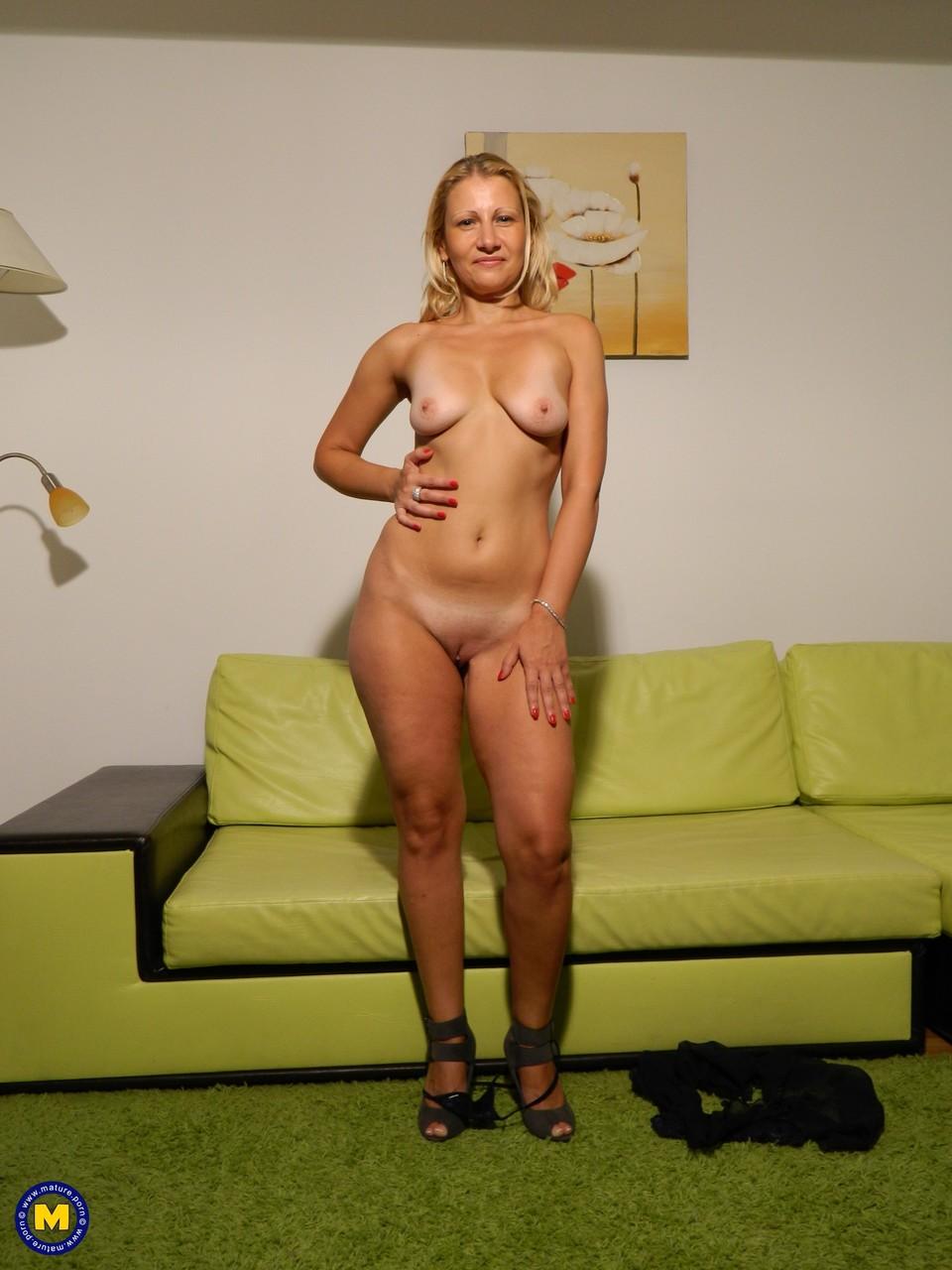 Mature.nl Larisa 15004238