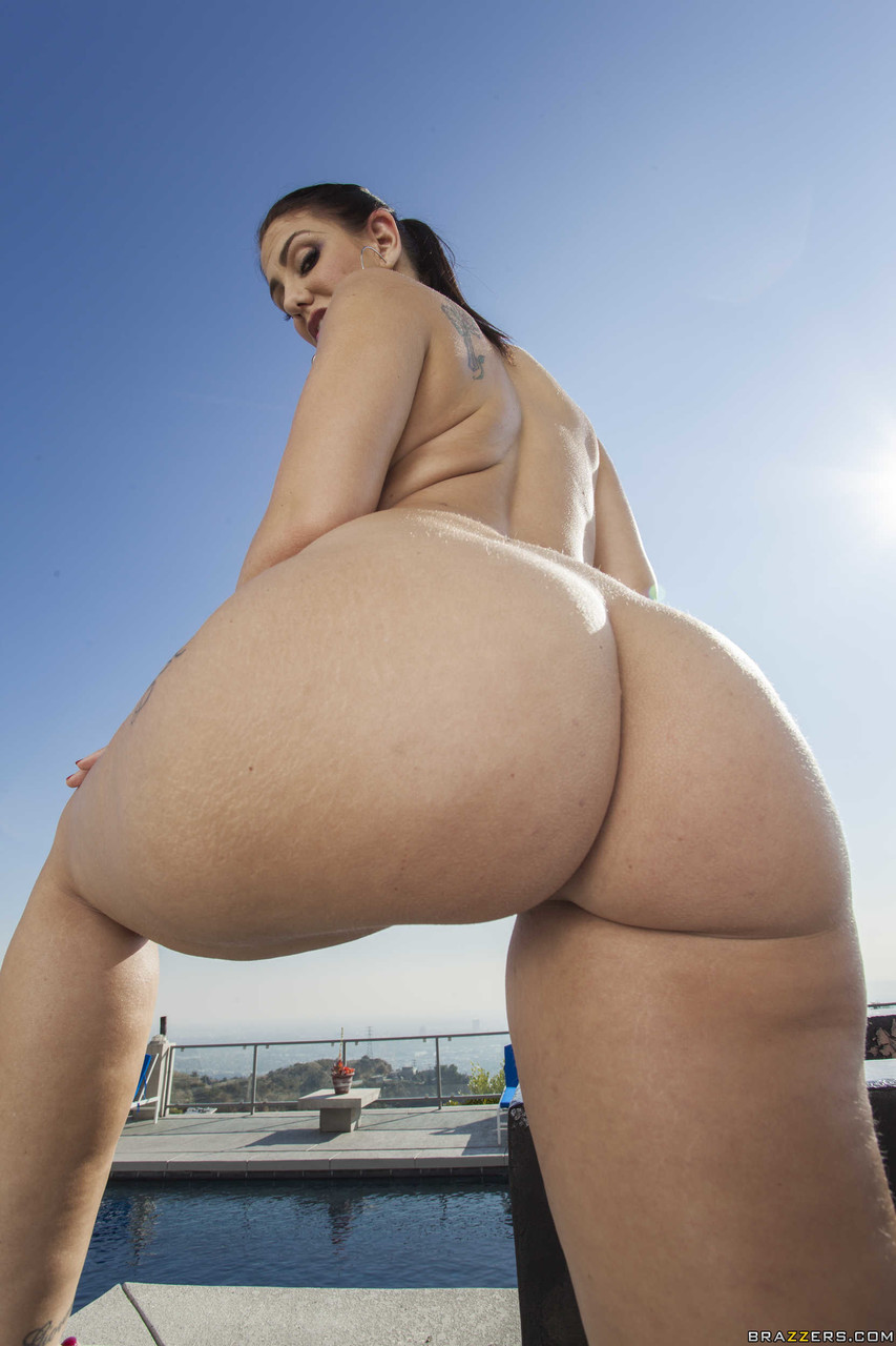 Big Wet Butts Madison Rose 37892452