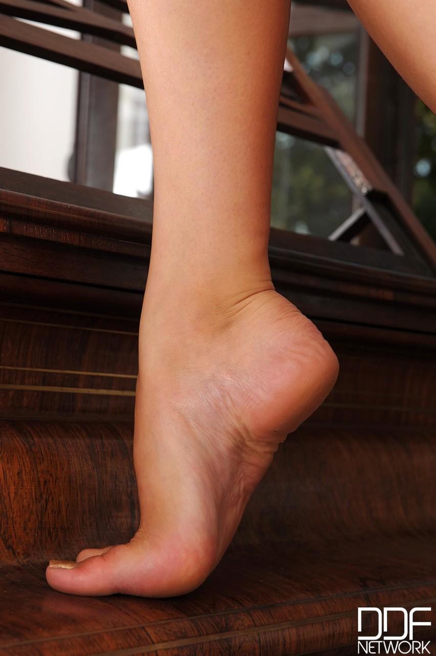 Hot Legs and Feet Sapphire 19959648