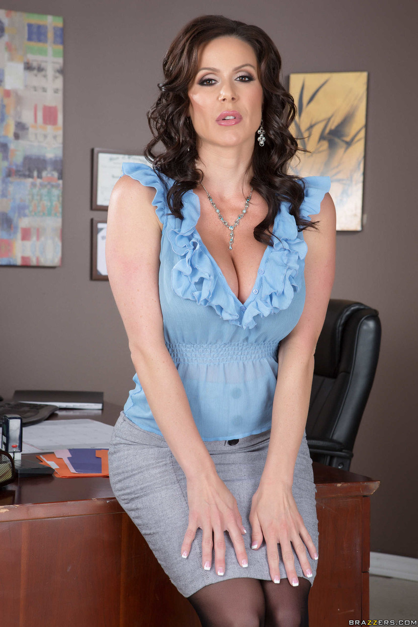 MILFs Like It Big Phoenix Marie Kendra Lust 14094365