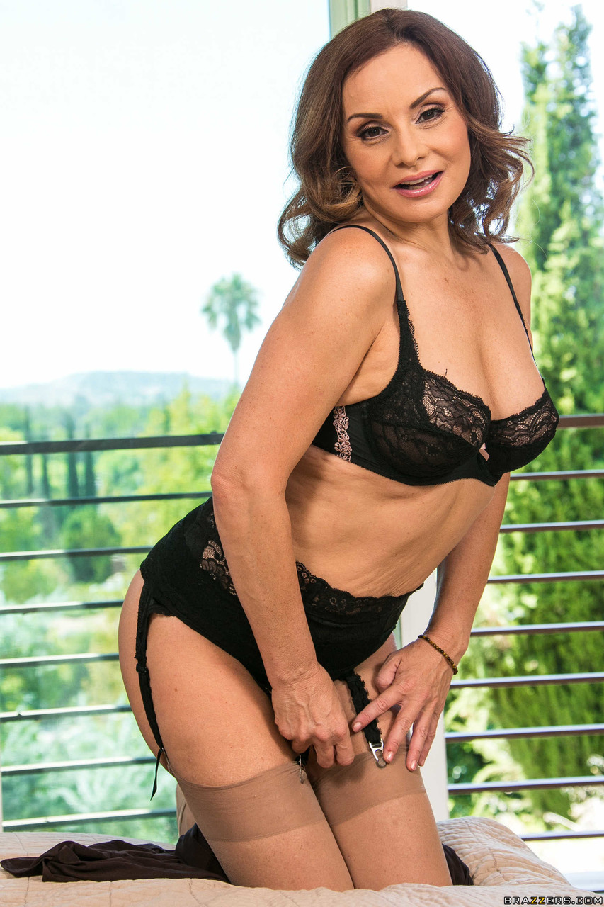 Valerie Bertinelli Pictures Pictures Hot Mature Celebrity Actress Sexy Sea Tits Nice American
