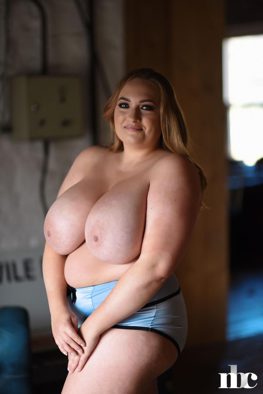 Nothing But Curves Sara Willis 47533737