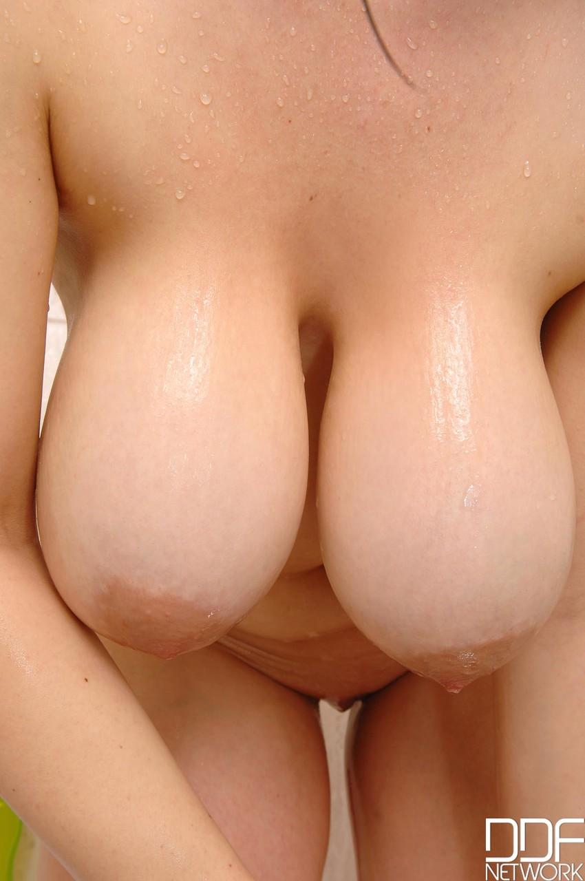 DDF Busty Joanna Bliss 41928510