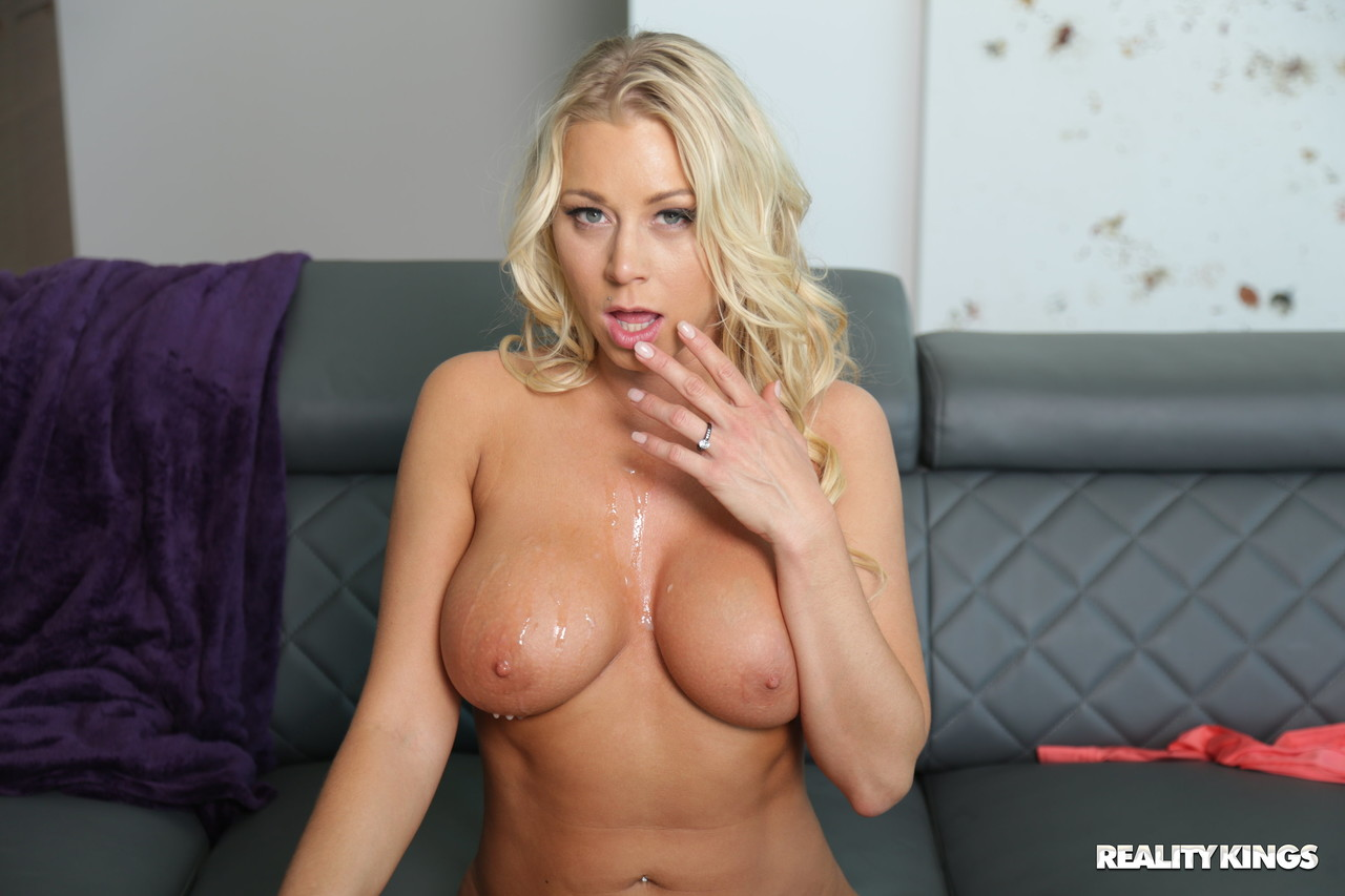 MILF Hunter Katie Morgan 11492109
