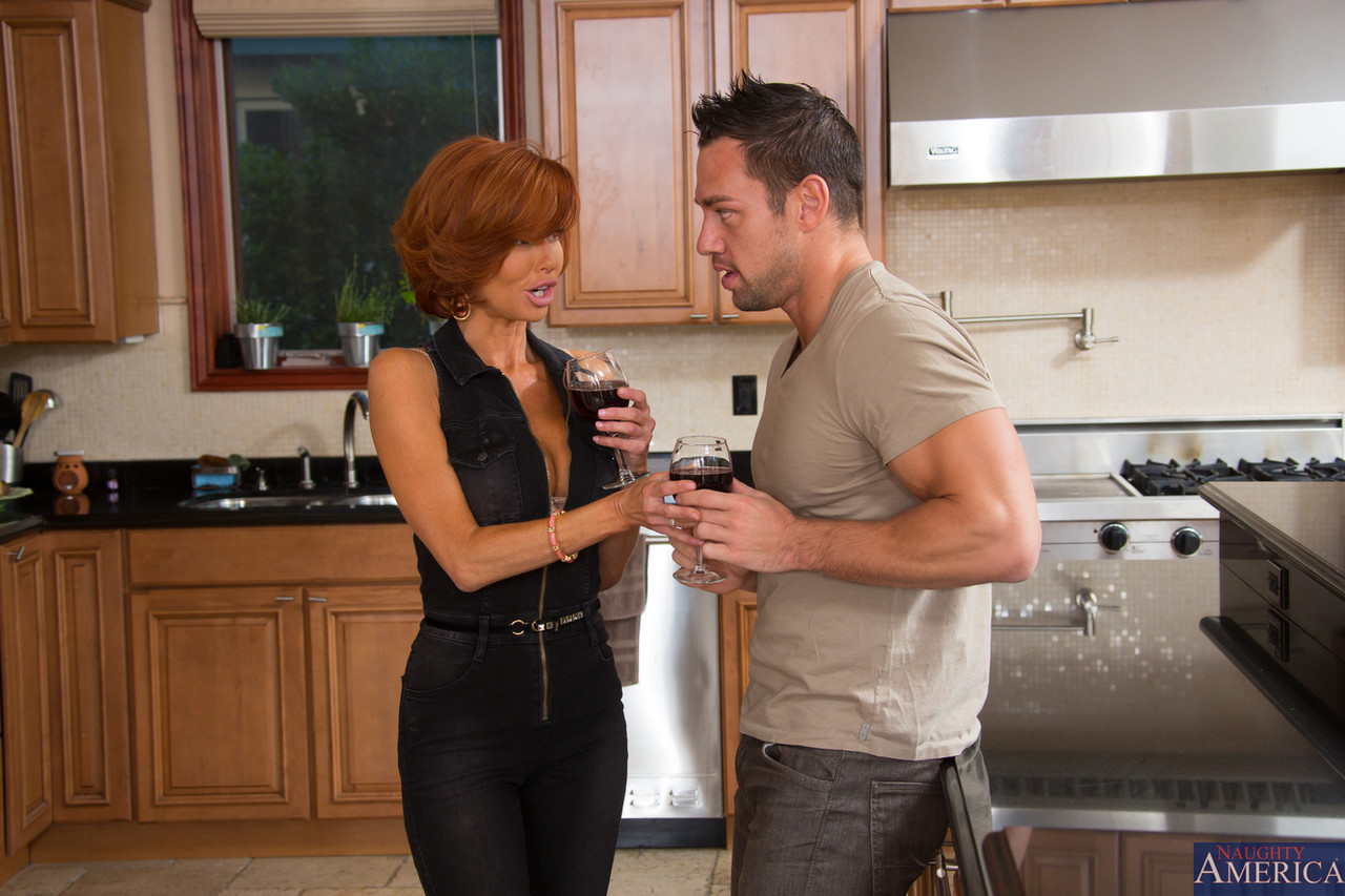 Seduced By A Cougar Veronica Avluv Johnny Castle 50442931