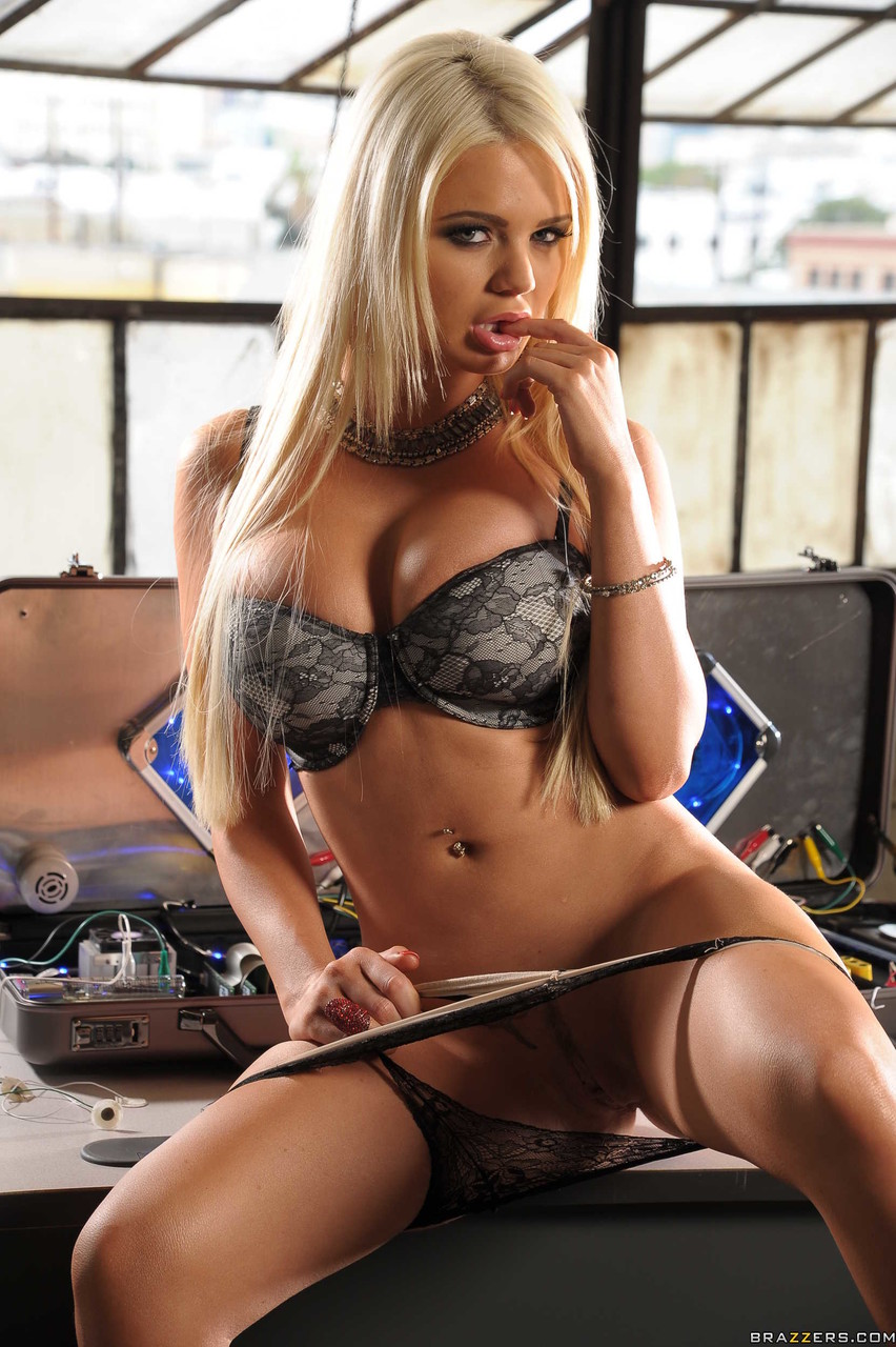 Pornstars Like It Big Juelz Ventura Alexis Ford 33944093