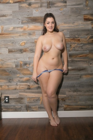 Amateur BBW Lexi Lloyd uncovers big natural tits and fat ass while stripping