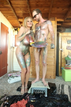 Big boobed female Kelly Madison covers herself and Ryan Madison with bodypaint