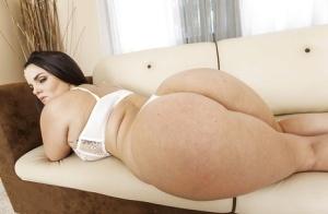 Brilliant girlfriend Mackenzee Pierce reveals her actual bra size