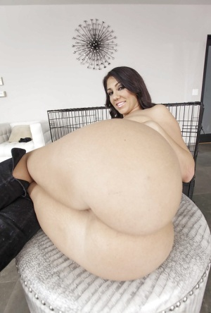 Cute fatty with very nice ass Madison Rose shows off professionally