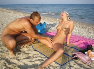 Blonde girlfriend gets fucked on the beach in the homemade action