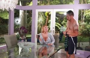 Cool slut with big boobs Mellanie Monroe enjoying a delicious dick