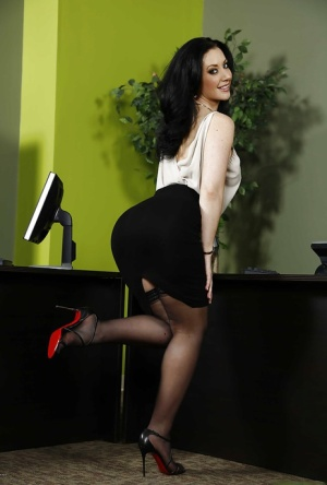 Big tits office lady Jayden Jaymes is undressing her tight black dress