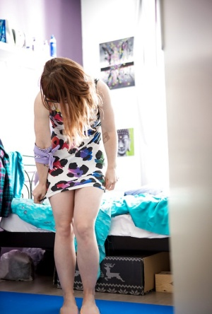 Ugly amateur babe Kirsa getting dressed before going out