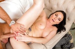 Sleeping pornstar wife Veruca James wakes to take cumshot from hubby's cock